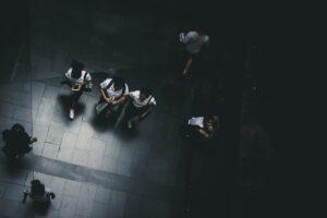 Contoh Karangan – Bagaimana remaja menghadapi cabaran hidup?